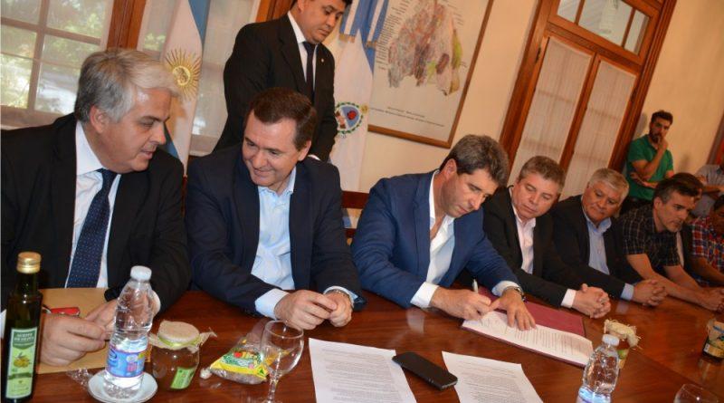 Firmaron convenios de gestión agrícola para Jáchal e Iglesia