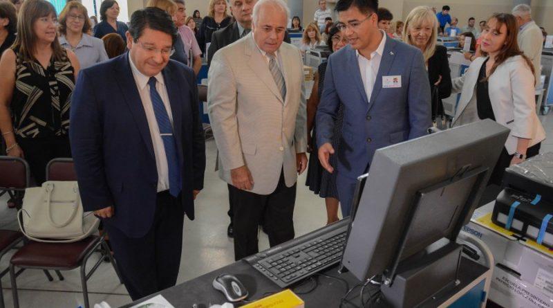 Entregaron Aulas Digitales Móviles a 72 Escuelas de San Juan