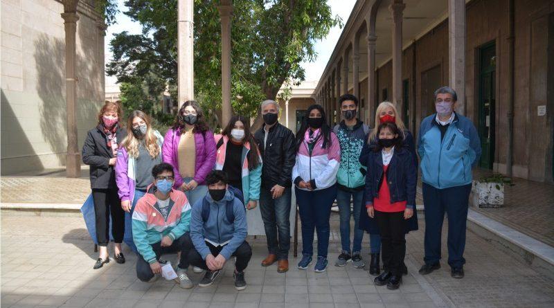 Proyectos Educativos de la ENSS y de la EAZ donde los alumnos de 6° Año dejan sus huellas en San Juan